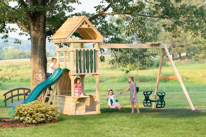 Hideout w/ Wood Roof (8A) - Your Best Choice For Amish Playsets From Lancaster, PA Amish